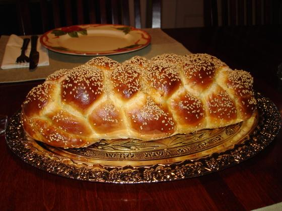 Challah_Bread_Six_Braid_1-e1446728655899